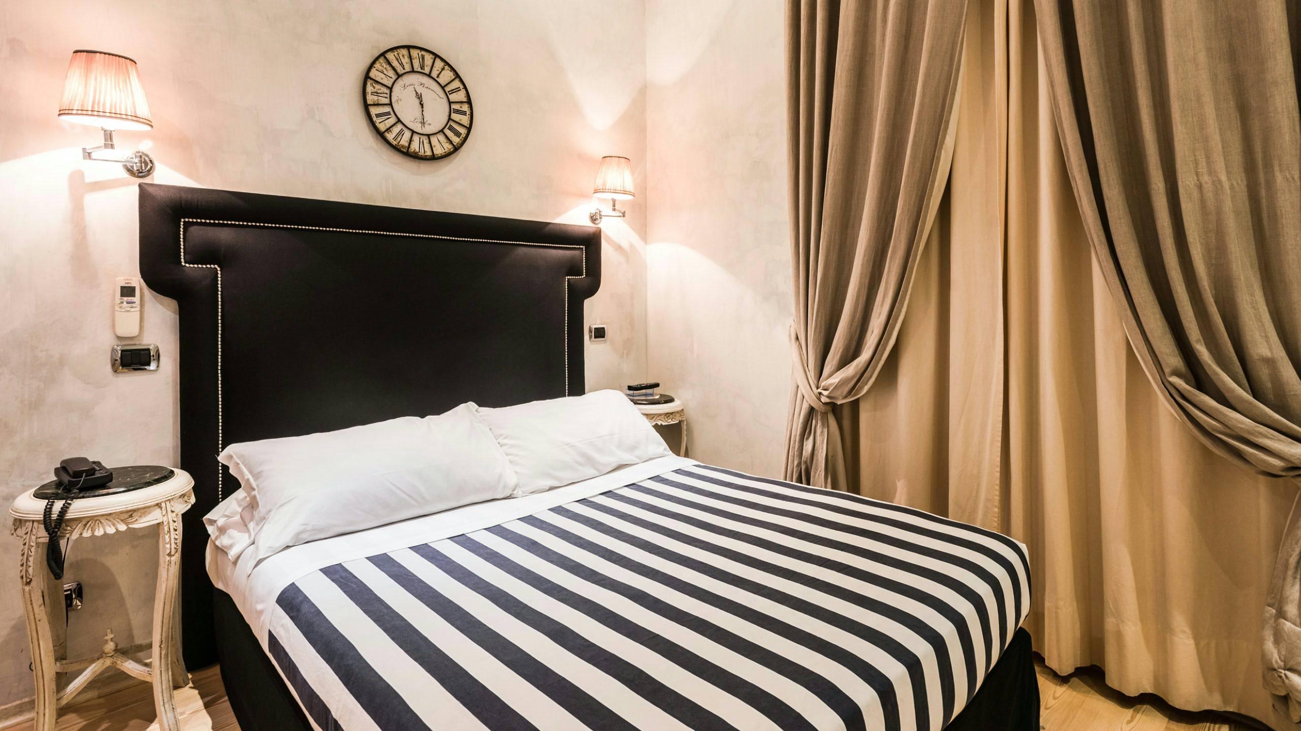 Mdm luxury rooms roma camera luxury for Interno 7 luxury rooms