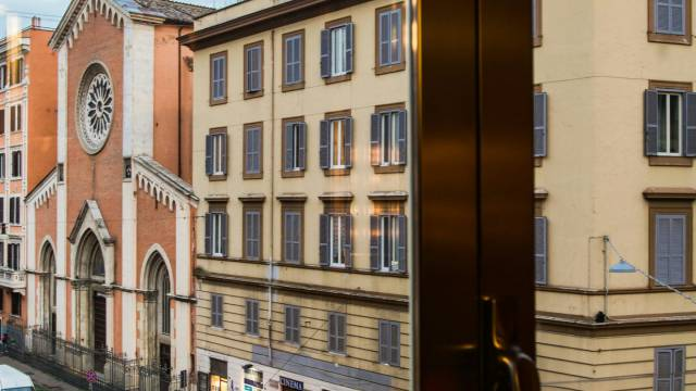 Mdm-Luxury-Romms-Roma-external-4