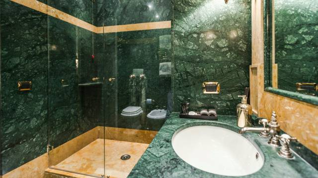 Mdm-Luxury-Rooms-Roma-bathroom-46