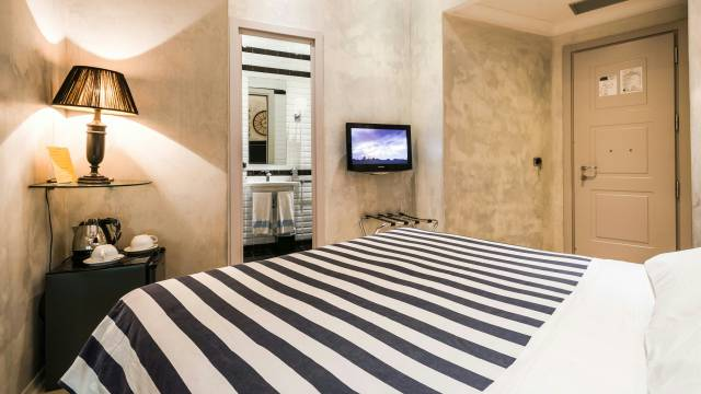 Mdm-Luxury-Rooms-Roma-rooms-12