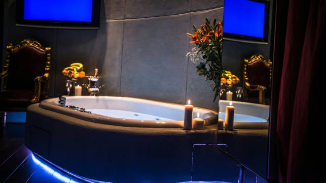 Mdm-Luxury-Rooms-Roma-jacuzzi-38